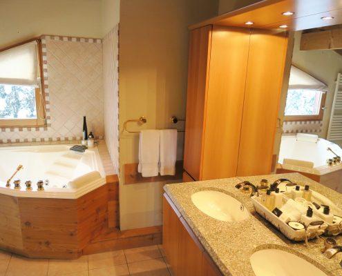 Unwind In Our Spa Bath Tub