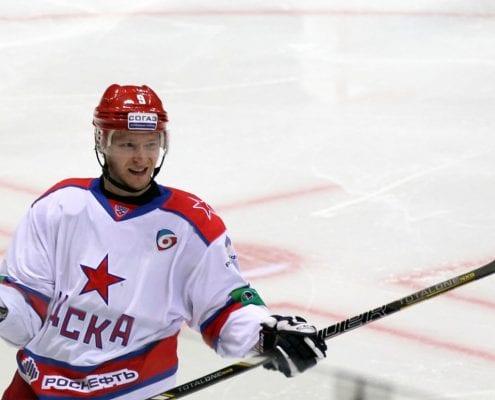 Andrei Pervyshin, chamonix signs ex NFL player